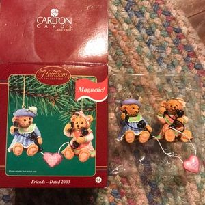 Carlton Cards Boxed Friends Forever bears ornament